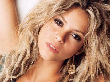 Страничка Шакиры на Фейсбуке собрала 100 миллионов подписчиков