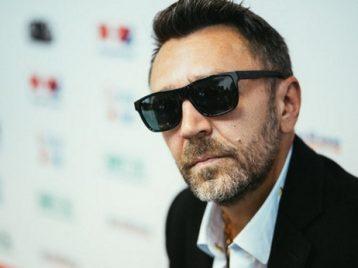 Шнуров объяснил отказ от концертов на Украине