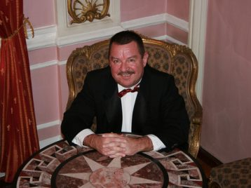 В Петербурге умер автор песни «Зайка моя» Сергей Касторский