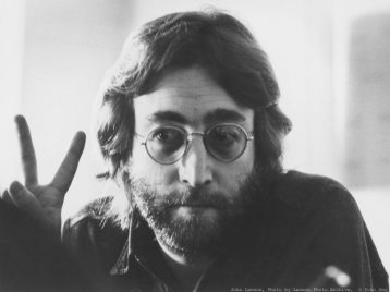 Джон Леннон станет героем комиксов