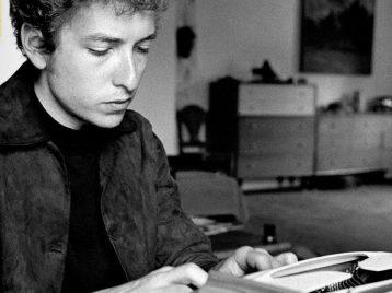 Боб Дилан: Нобелевская премия за песни и за долгожительство