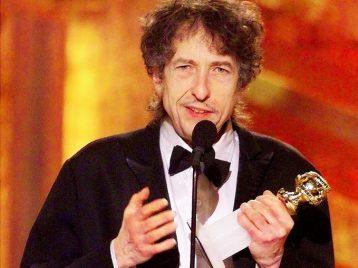 Боб Дилан передумал ехать за Нобелевской премией