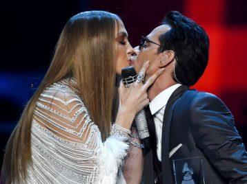 Латиноамериканские страсти: поцелуй Дженнифер Лопес и Марка Энтони