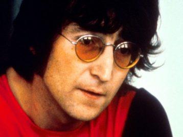 Знаменитые круглые очки Джона Леннона выставлены на аукцион