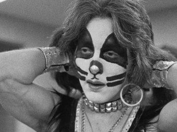 Один из основателей «Kiss» покидает сцену навсегда