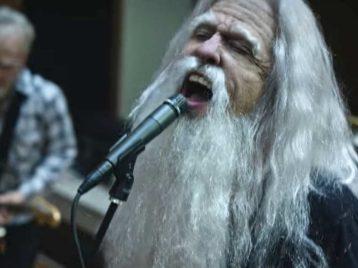Рок-н-ролльный угар в доме престарелых: «Foo fighters» выпустили новое видео
