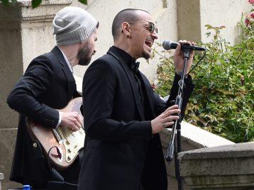 Закрытые похороны: семья Честера Беннингтона решила похоронить певца в узком кругу