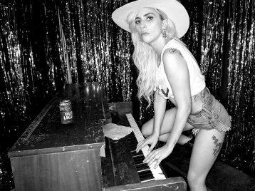 Стартовал тур Леди Гаги в поддержку диска «Joanne»
