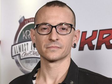 В копилку воспоминаний: «Linkin park» опубликовали забавное бэкстейдж-видео с Честером Беннингтоном