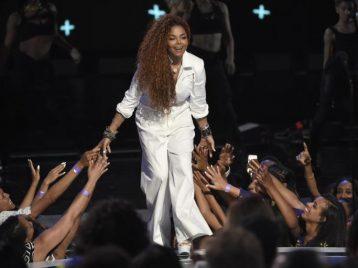 Поддержим пострадавших: Джанет Джексон даст концерт на месте катастрофы