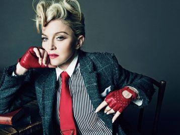 Убить двух зайцев: Мадонна отметила два праздника одной песней