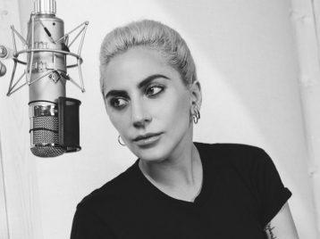 Не терпится поговорить: Леди Гага хочет рассказать о проблемах с ментальным здоровьем