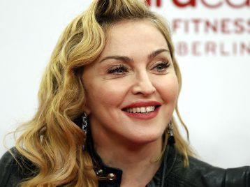Мадонна возвращается в режиссерское кресло