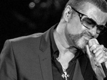 Уважайте соседей: родственники Джорджа Майкла попросили поклонников не оставлять подношения покойному певцу