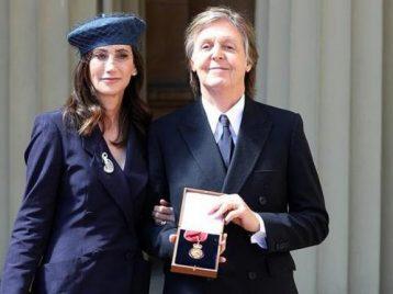 Еще один орден: Пол Маккартни стал Кавалером чести