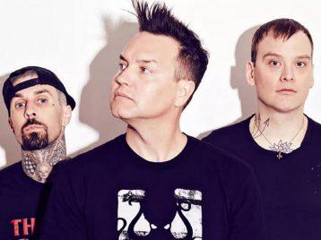 Несмотря наболезнь: Blink 182 объявили опродолжении гастролей