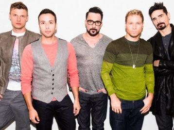 14 поклонников Backstreet boys пострадали после падения сценической конструкции