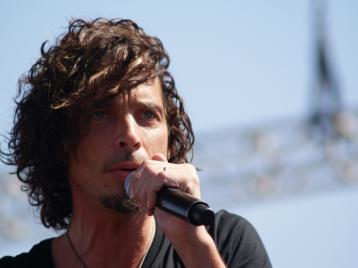 Крис Корнелл из Soundgarden превратился в памятник