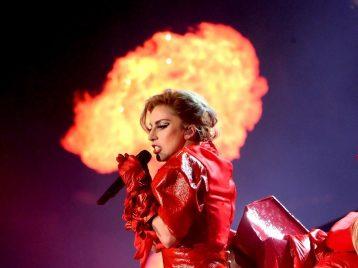 Леди Гага была эвакуирована изсобственного дома