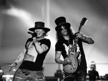 Эксл Роуз из Guns N'Roses заболел