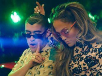 Дженнифер Лопес и Bad bunny выпустили пляжный клип