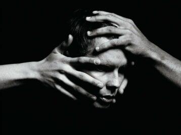 Вдухе Бьорк: Йоунси изSigur Ros выпустил сольный клип Swill