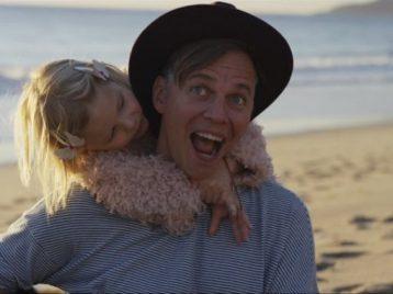 Лагутенко снял в новом видео своих дочек
