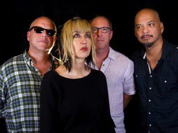 Pixies: «Мы бы не распались, если бы у нас был перерыв»