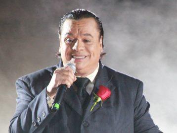 Скончался известный мексиканский певец Хуан Габриэль
