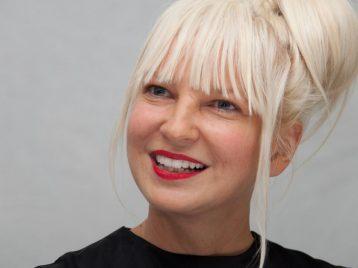 Певица Sia собирается дать единственный концерт в России