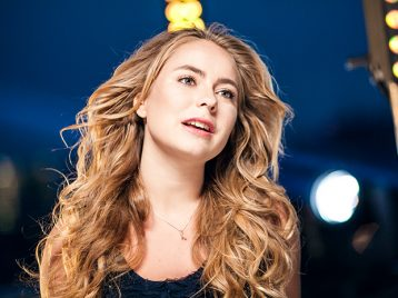Дочь Татьяны Навки и Александра Жулина выпустила дебютный клип