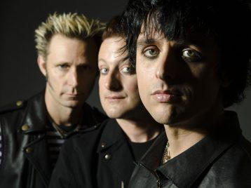 «Green Day» отменили выступление на Кубке мира по хоккею