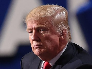 Победа Трампа: как звёзды реагируют на результат выборов в США