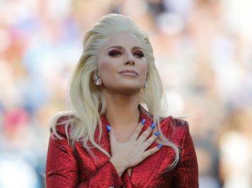 Леди Гага обещает использовать каждый дюйм сцены во время перерыва Супербоула