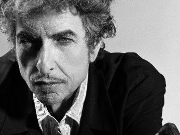 Согласен на миллион: Боб Дилан примет Нобелевскую премию