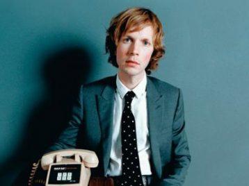 Beck: альбом будет в октябре, зуб даю!