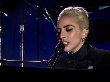 Леди Гага отменила весь тур из-за сильных болей
