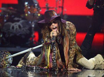 Стивен Тайлер из «Aerosmith» отправляется на больничную койку