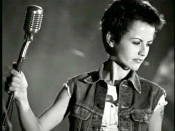 Долорес О'Риордан из группы «Cranberries» умерла в возрасте 46 лет