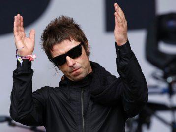 Лиам Галлахер добавляет песни «Oasis» в трек-лист сольных выступлений