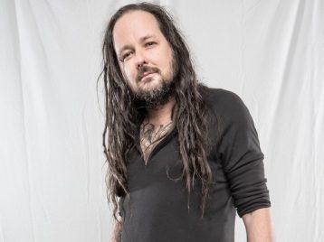 В одном черном-черном лабиринте: лидер «Korn» выпускает сольный диск
