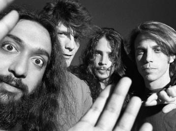 Участники «Soundgarden» впервые выйдут на сцену после гибели лидера