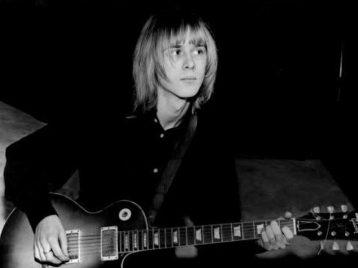 Бывший гитарист Fleetwood Mac умер по неизвестной причине