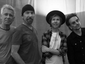 U2 и Beck выпустили совместный пластилиновый клип