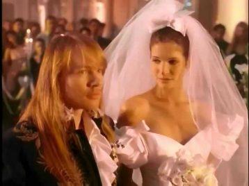 Старый клип Guns N' Roses стал самым популярным видео эпохи до Youtube