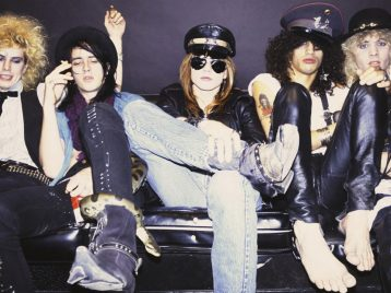 Розы без пистолетов: райдер Guns'n'Roses поразил поклонников иорганизаторов