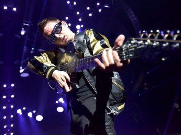 Темная сторона: Muse готовят заглавную песню для нового диска