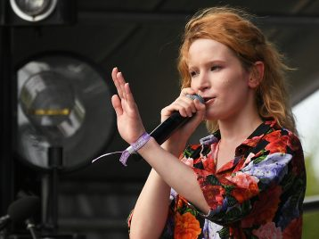 Монеточка отменила концерт из-за конфликта сорганизаторами