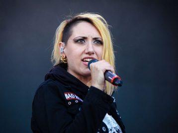 Обратная сторона рок-н-ролла: солистка группы Louna пережила спазм сосудов сердца на сцене