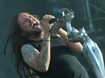 Затеряться в пустыне: Korn выпустили фантастический клип You'll never find me